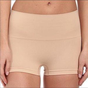 [Spanx] Nude Boy Shorts- Size E